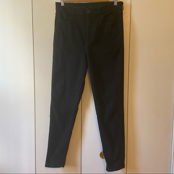 American Eagle curvy fit skinny jeans. Size 12.